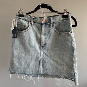 Aritzia - Wilfred Free- Denim Skirt (never worn)